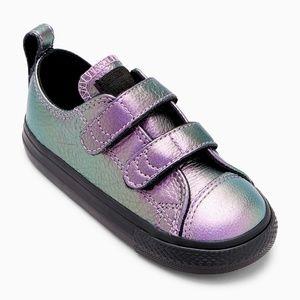 Girls Converse Purple Metallic Velcro Ox